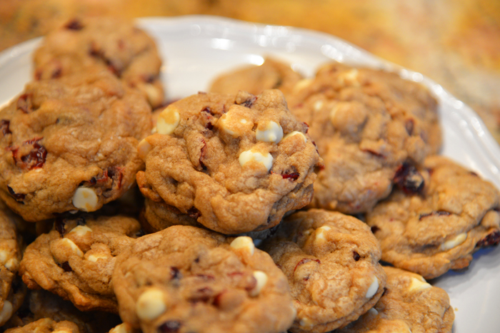 WHITE CHOCOLATE CHIP CRANBERRY COOKIES | The Style Scribe