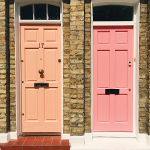 Bright doors in Shoreditch | The Style Scribe