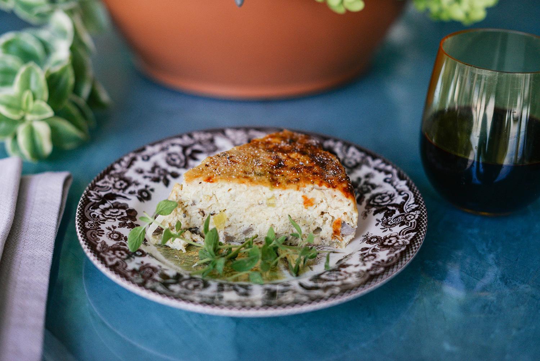 Crustless Cauliflower, Mushroom & Leek Quiche | The Style Scribe