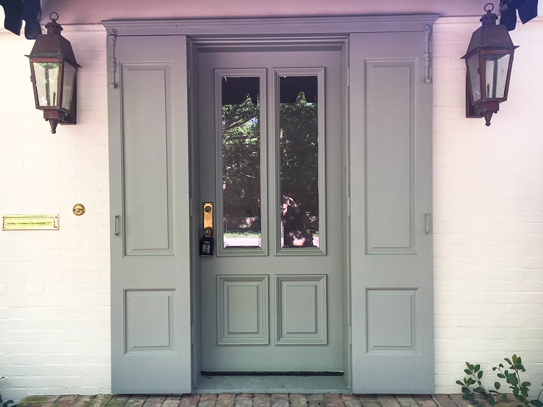 Brick: SW Creamy, Door/Shutters: BM Woodlawn Blue | The Style Scribe