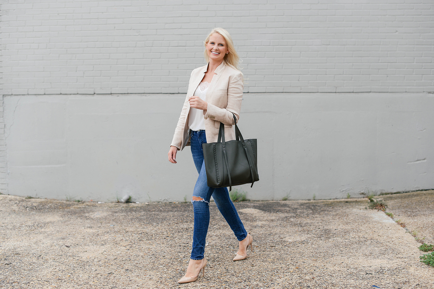 Veronica Beard Linen Blazer | The Style Scribe
