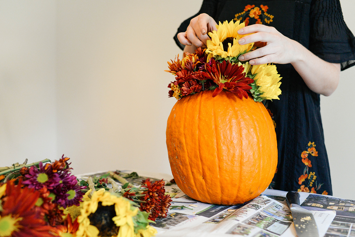 Pumpkin Flower Arrangement for Fall | The Style Scribe