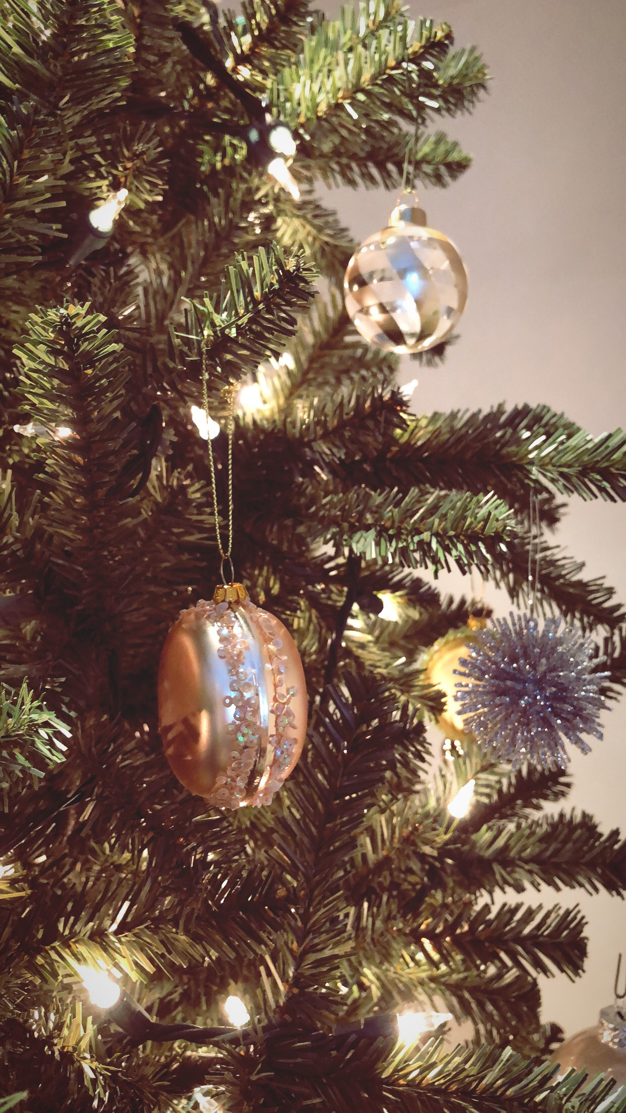 My Favorite Christmas Ornaments | The Style Scribe