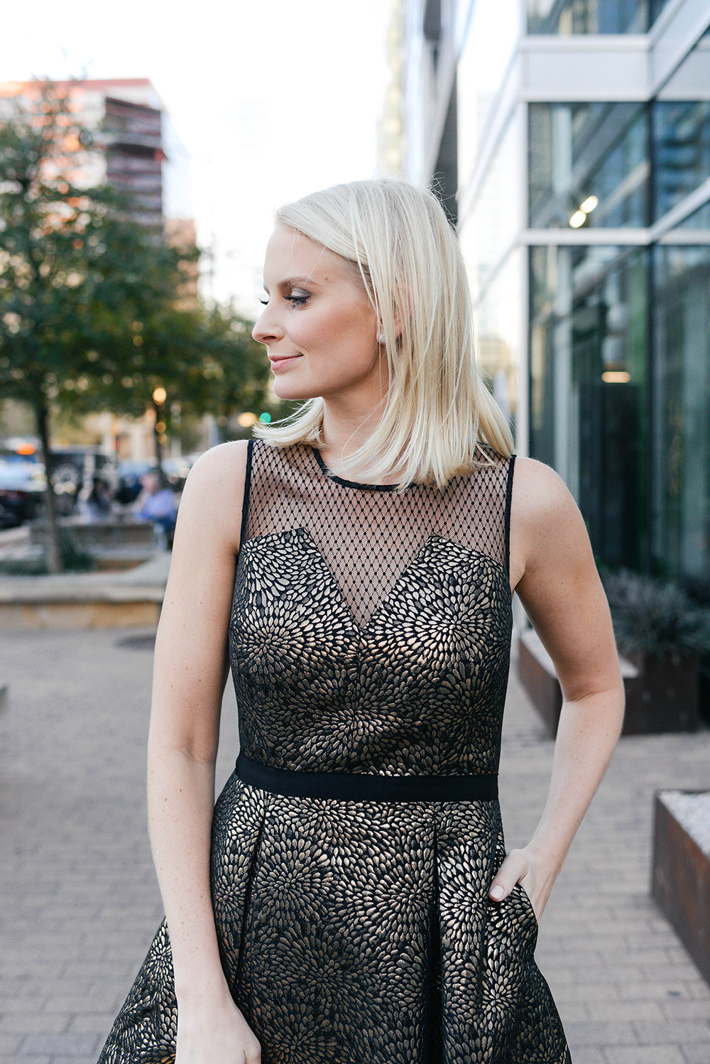 Draper James Cocktail Dress | Holiday Party Outfit Guide
