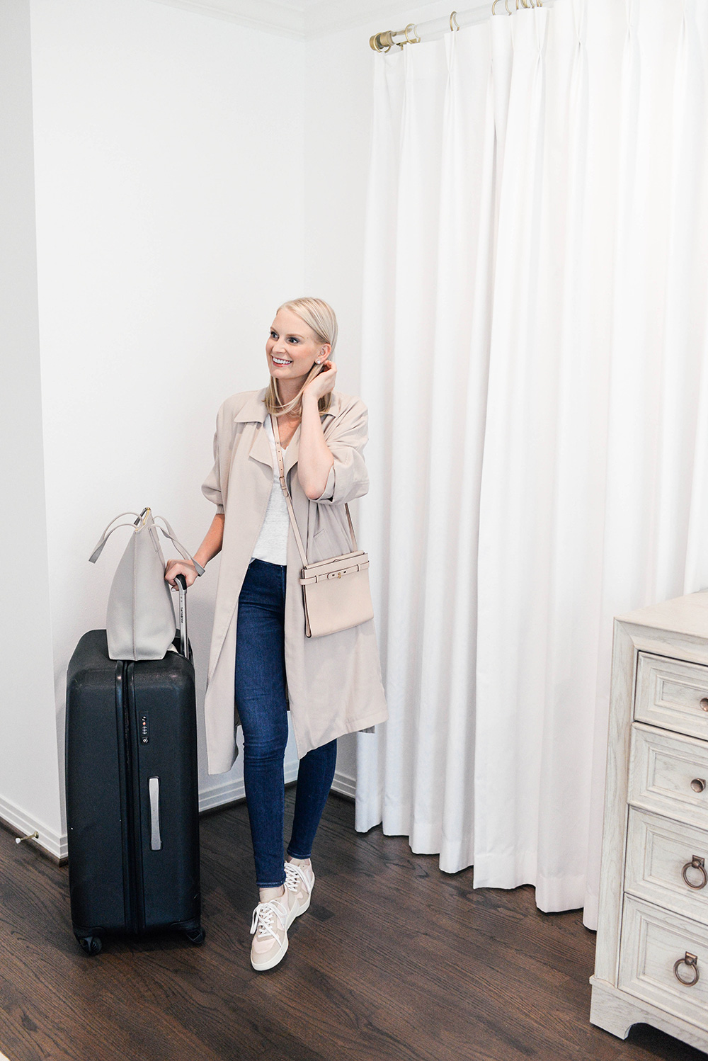 What I Wore On My Flight To London | Merritt Beck, Dallas Blogger