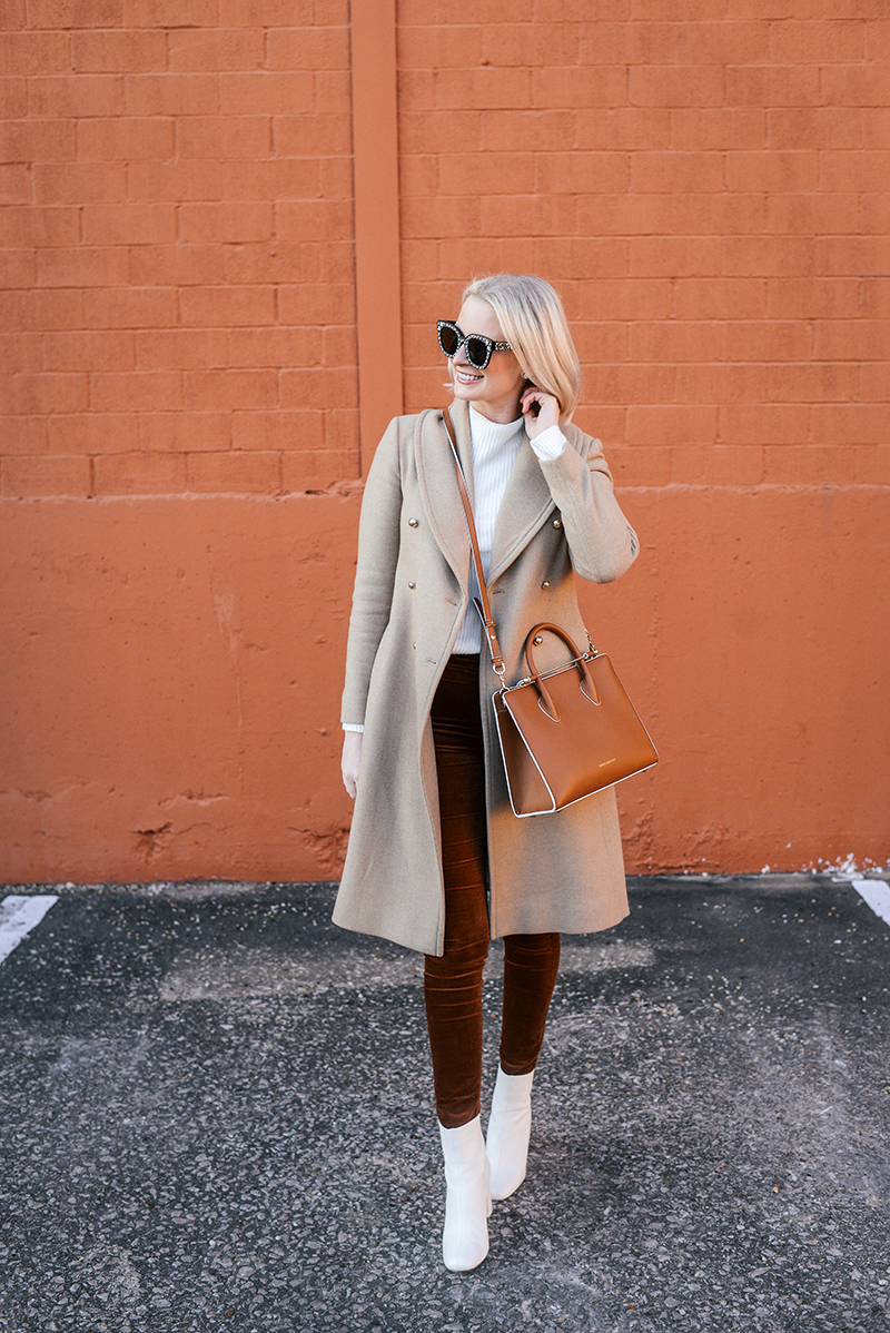 Cute and Cozy Thanksgiving Day Outfit Idea