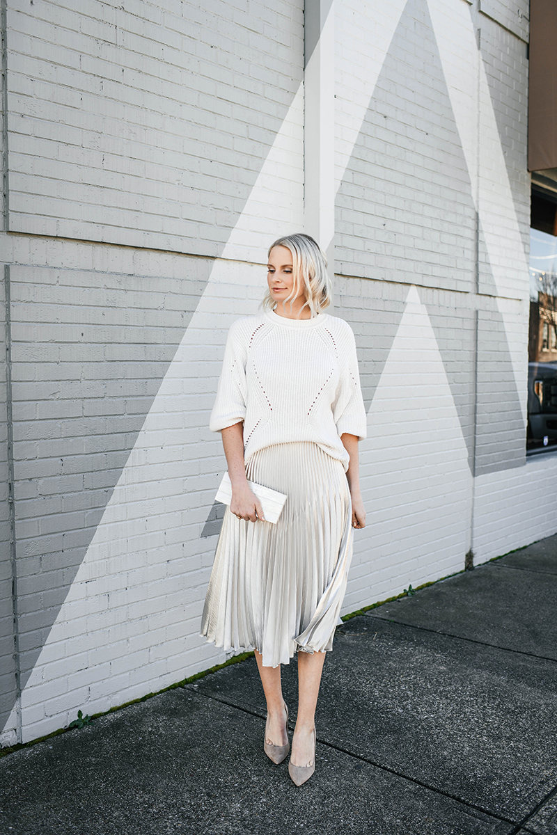Winter White Look | How to Style A Pleated Skirt