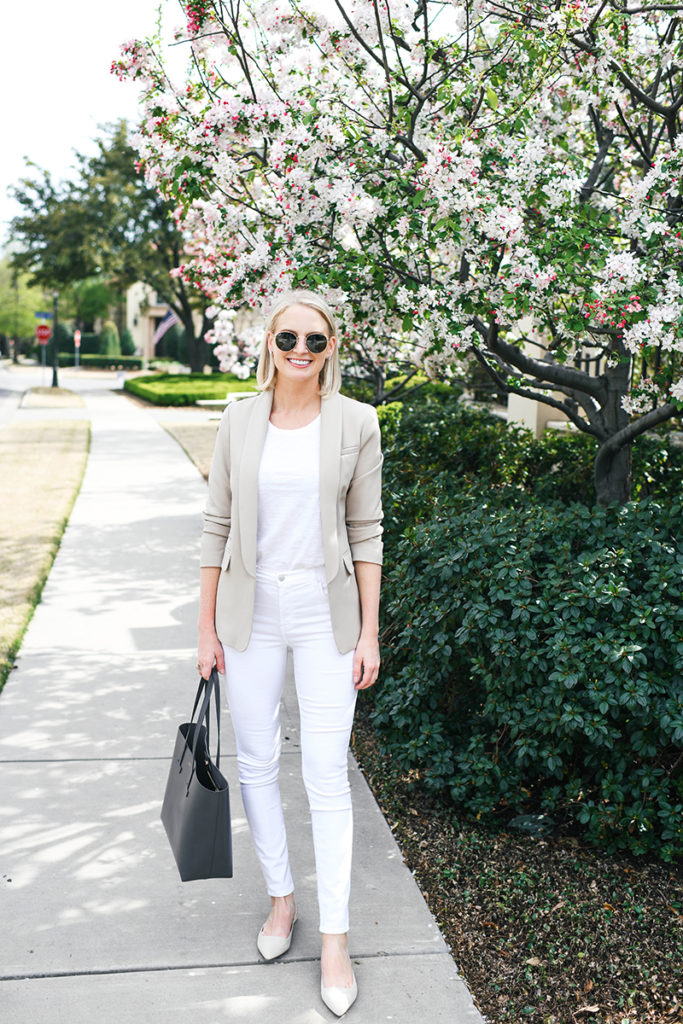 WHITE JEAN WORK OUTFIT IDEAS