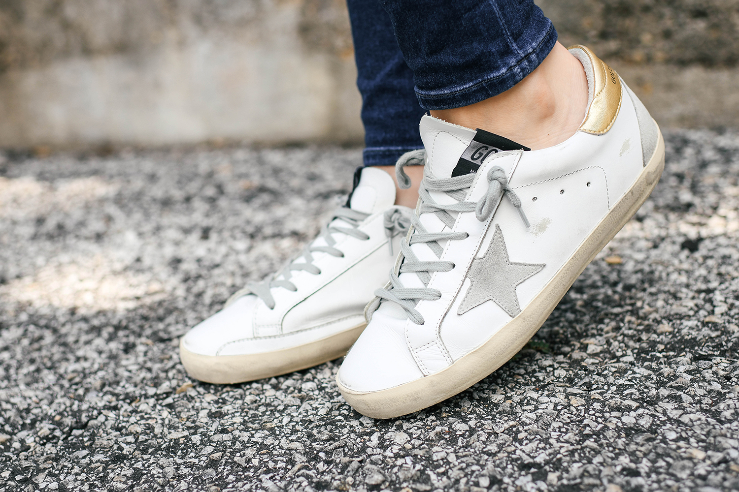 Casual Sneaker Style | Everyday Neutral Outfit Ideas
