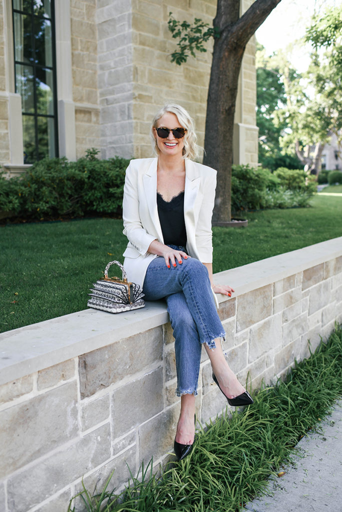 Chic Neutral Outfit Ideas | Blazer and Jeans