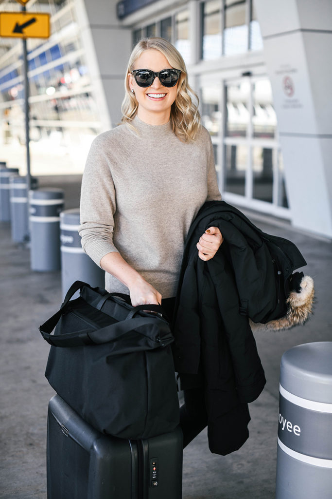 Overseas Winter Travel Outfit Inspiration // HOLIDAY GIFT IDEAS FROM EVERLANE