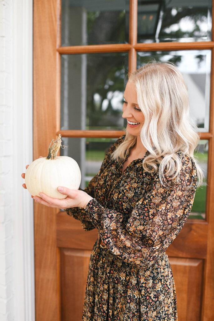 STYLING MY FRONT PORCH FOR FALL | THE STYLE SCRIBE