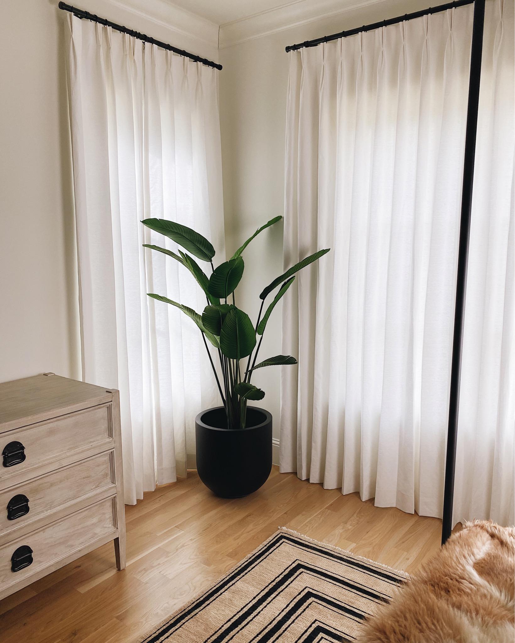 BEDROOM FAUX PLANT + PLANTER