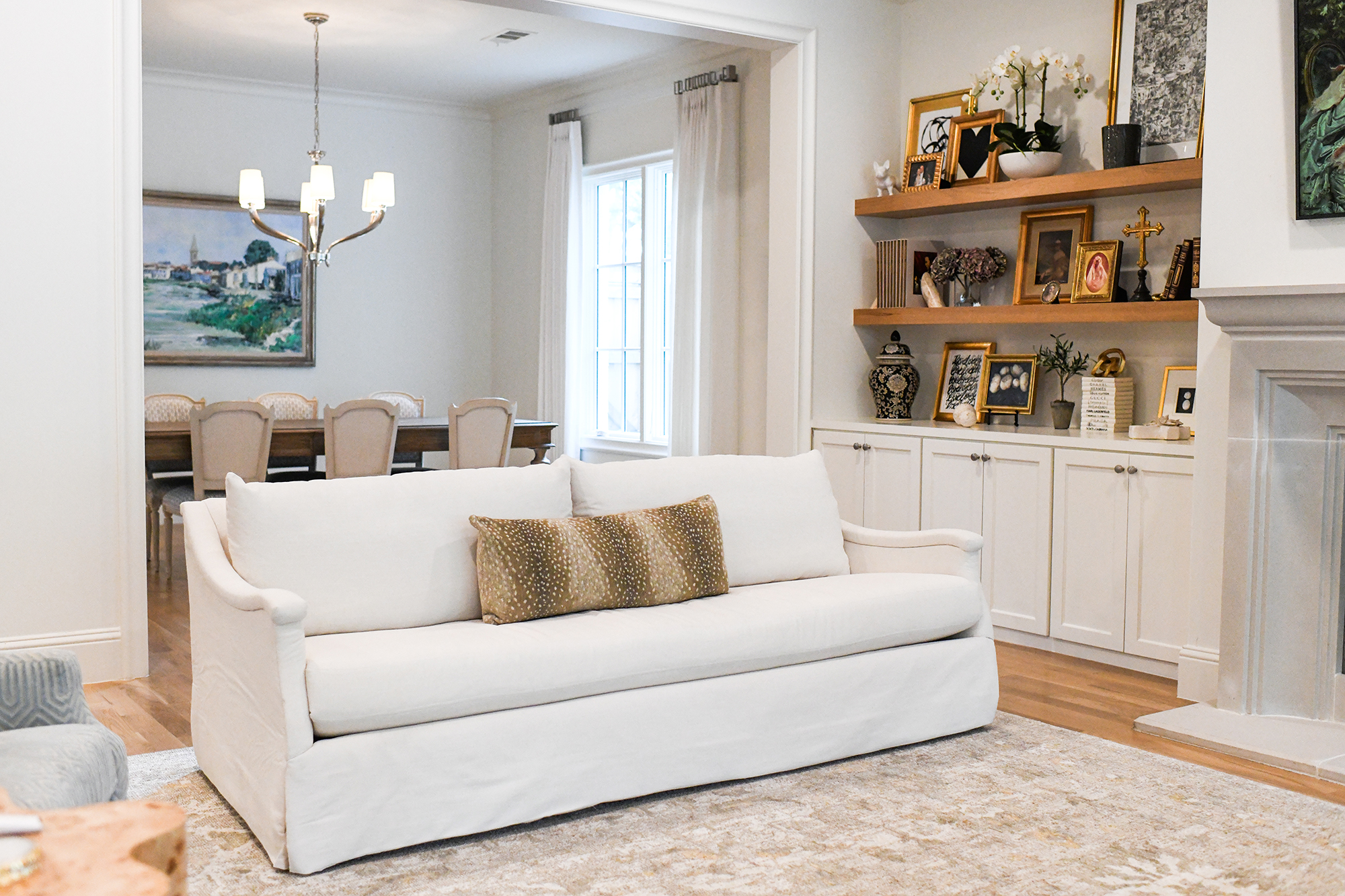 LIVING ROOM UPDATE // CHRIS LOVES JULIA X LOLOI RUG AND SHOP ANECDOTE SOFAS