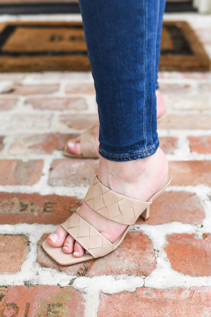 VINCE CAMUTO WOVEN TWO BAND SANDALS